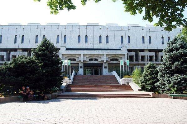 امضای تفاهمنامه همکاری آستان قدس و کتابخانه ملی قرقیزستان