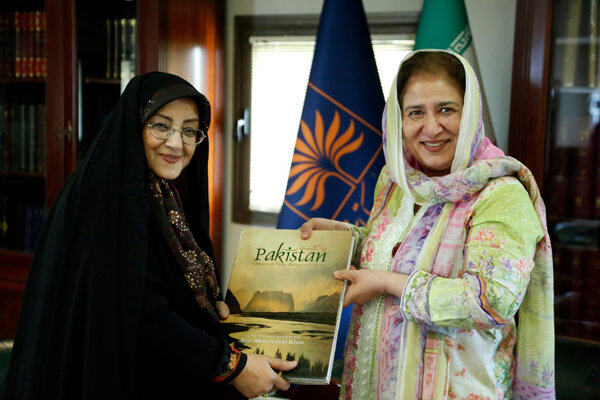تمایل پاکستان برای استفاده از تجربههای کتابخانه ملی ایران