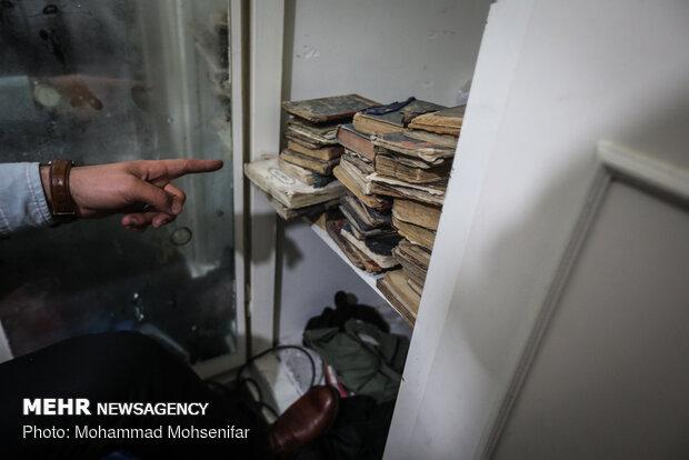 کشف ۴ هزار جلد کتاب غیرمجاز و ممنوعه از یک کتابفروشی در تهران